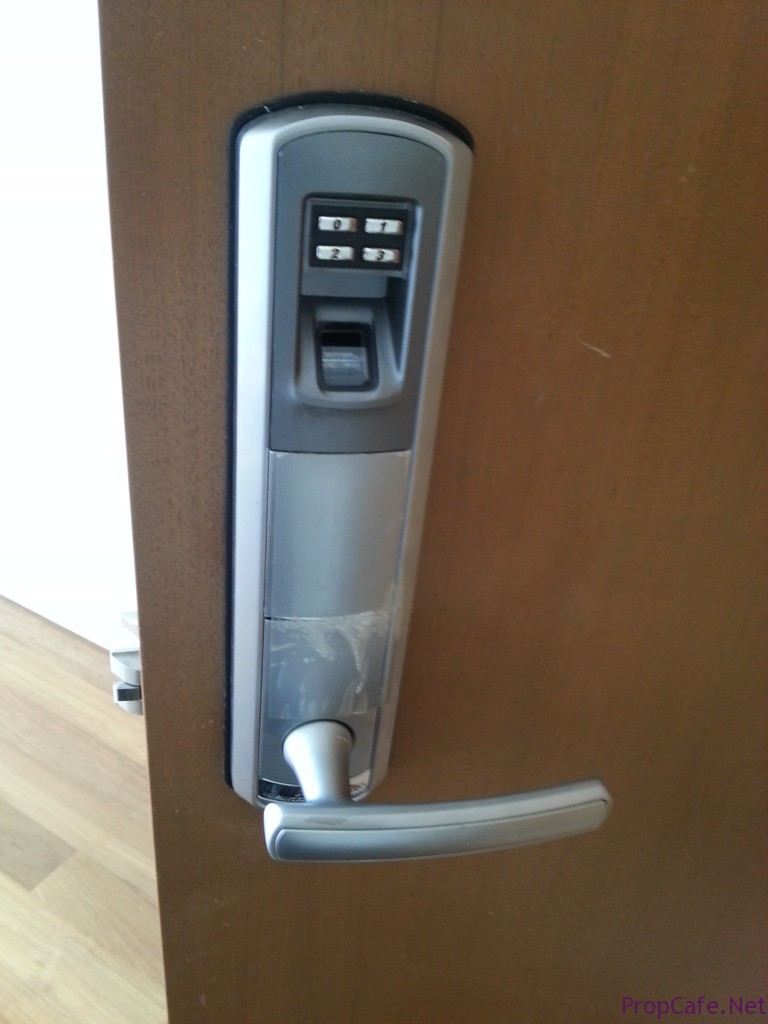 Small Size_Biometric Lock
